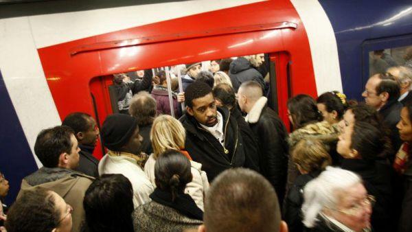 Où prendre le RER Orly CDG?